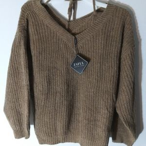 Zaful knitted v neck sweater NWT size 6
